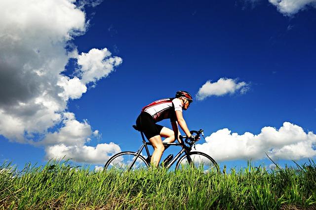 Když na kolo, tak ve stylovém sportovním oblečení